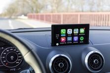 Apple CarPlay on nagu armatuuri külge seotud kehva displeiga iPad