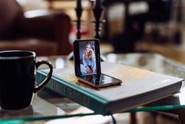 Samsungi soovitused: mida kasulikku volditava nutitelefoniga teha saab?