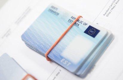 E-residentsuse programm löögi all: pangad sulgevad massiliselt kontosid
