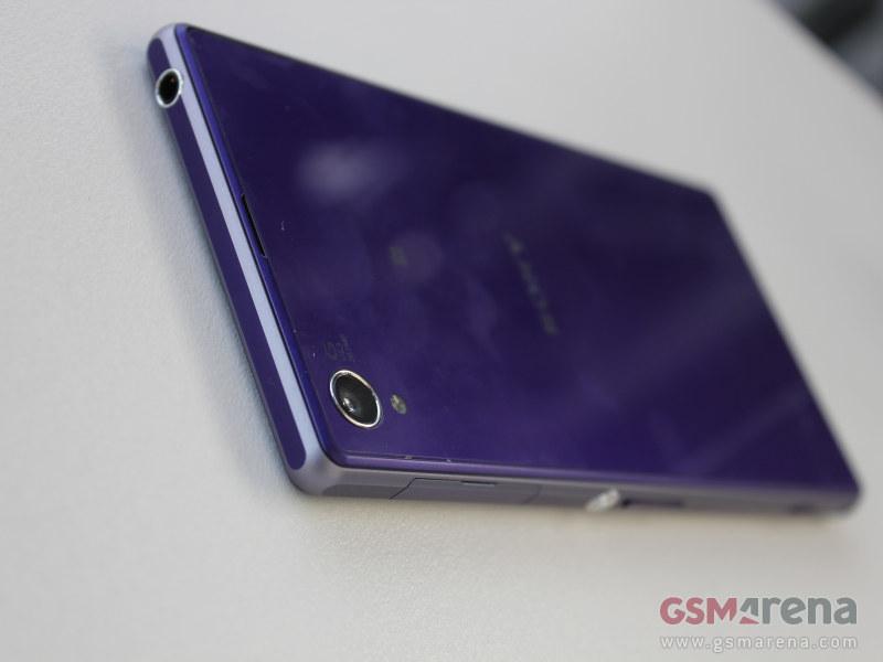 ac31675ae19 20Mpix ja senini suurim sensor mobiilis(Nokia 1020pureview on suurem, aga  see ei näe väga telefonina ka välja), mis omakorda tähendab, et ka toas  saab ...
