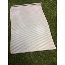 Puudulik valge ribakardin 120x180 (kasutatud)