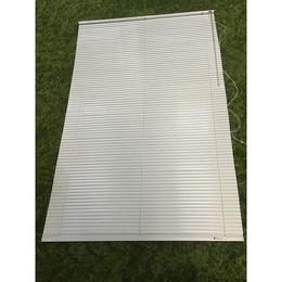 Valge ribakardin 120x180 (kasutatud)