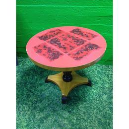 Punane ümar laud täispuidust (kasutatud)