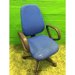 [MK70-KO] Sinine kontoritool ratastel (kasutatud)